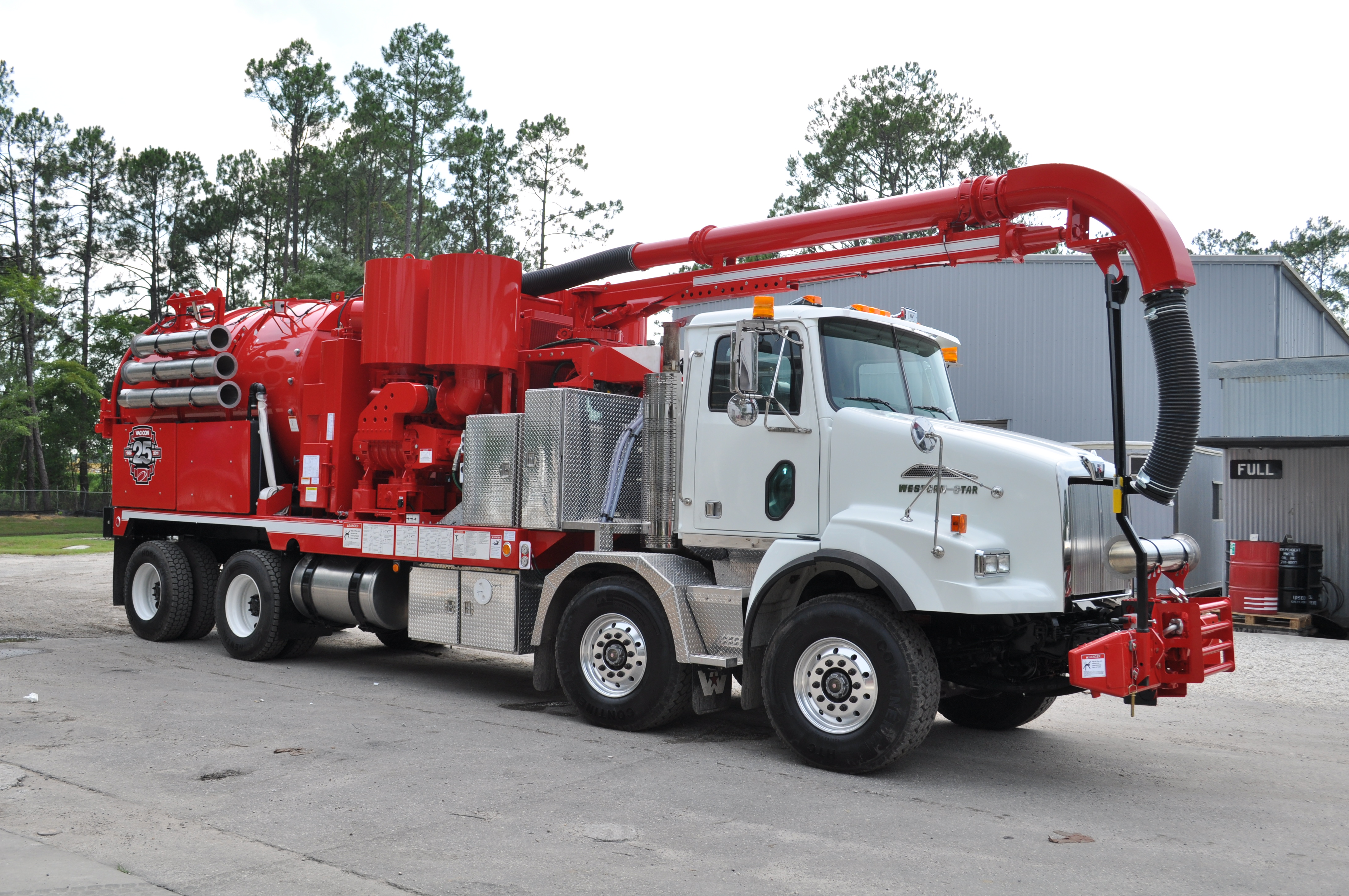 Awesome Hydro Excavation Truck   Vac Con®