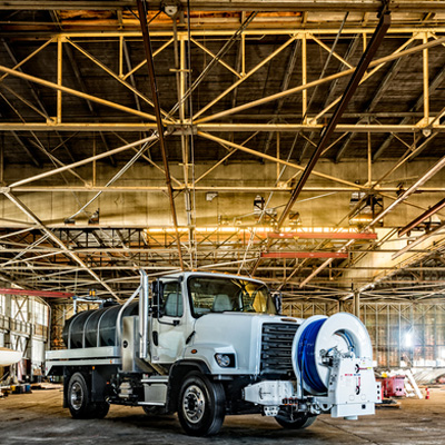 Hot Shot Vacuum Truck in warehouse - Sewer Jetting Truck